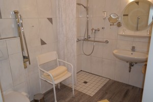 Hotel zur Post Barrierefreies Zimmer 3 Bad
