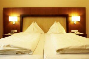 Hotel zur Post Dreibettzimmer 1