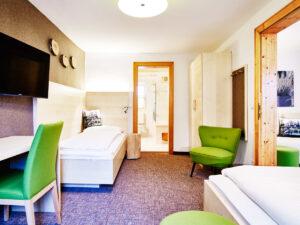 Hotel zur Post Garten Haus 5