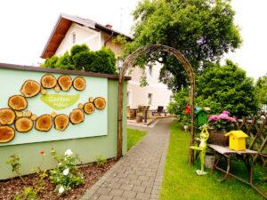 Hotel zur Post Garten Haus 6